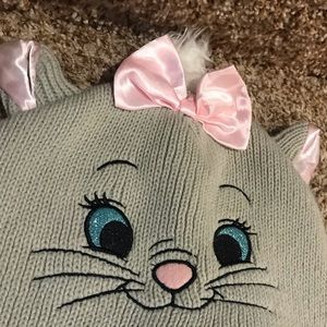 Disney Aristocats Marie knit winter hat